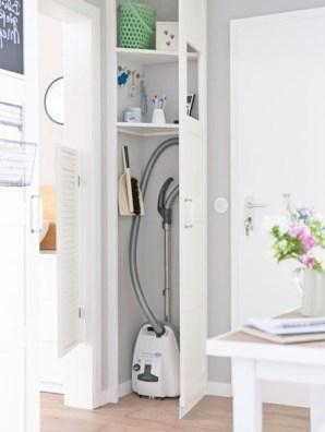 38 Brilliant Hallway Storage Decoration Ideas27