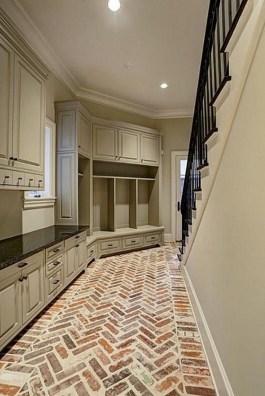 38 Brilliant Hallway Storage Decoration Ideas28