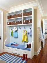 38 Brilliant Hallway Storage Decoration Ideas37
