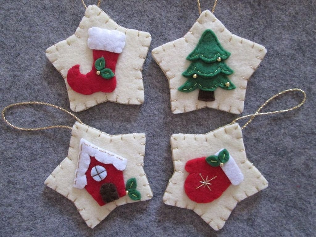 39 Brilliant Ideas How To Use Felt Ornaments For Christmas Tree Decoration 25