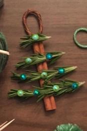 39 Brilliant Ideas How To Use Felt Ornaments For Christmas Tree Decoration 31