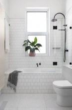 39 Cool And Stylish Small Bathroom Design Ideas21
