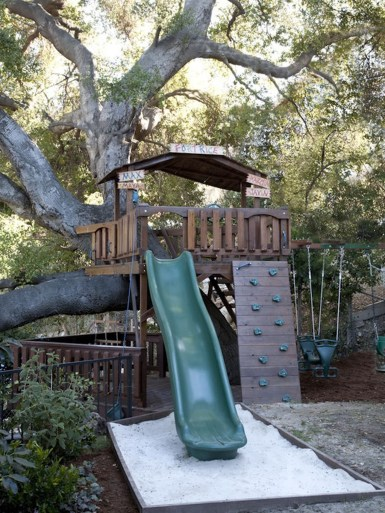 Awesome Outdoor Kids Playhouses That Youll Want To Live Yourself 16