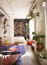 Brilliant Small Apartment Decoration Ideas On A Budget 30