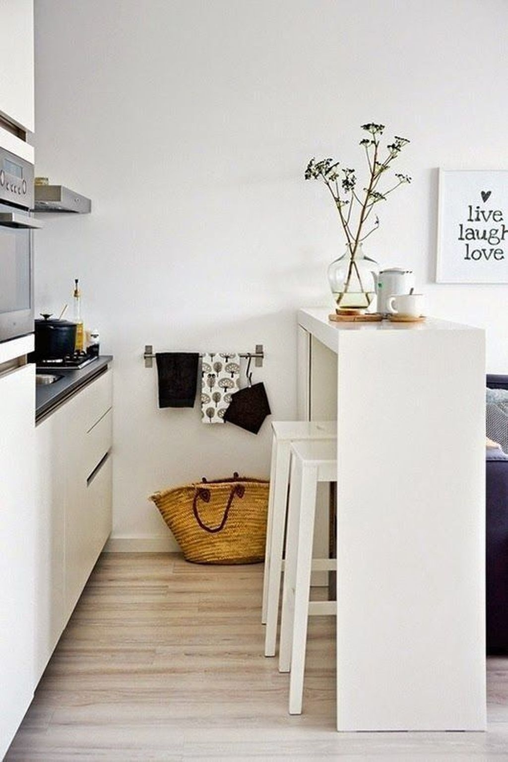 Brilliant Small Apartment Decoration Ideas On A Budget 43