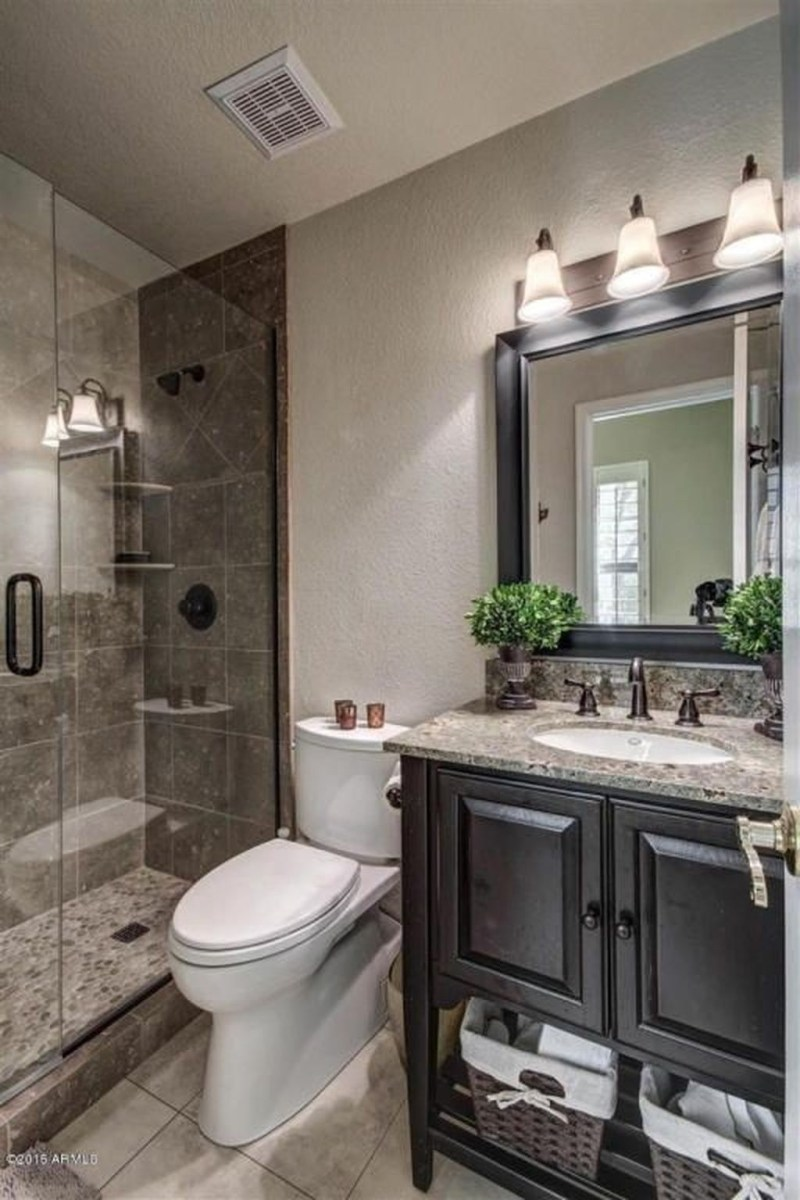 Cool Small Master Bathroom Remodel Ideas 03