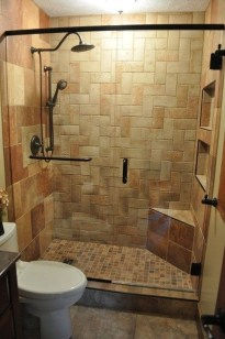 Cool Small Master Bathroom Remodel Ideas 14