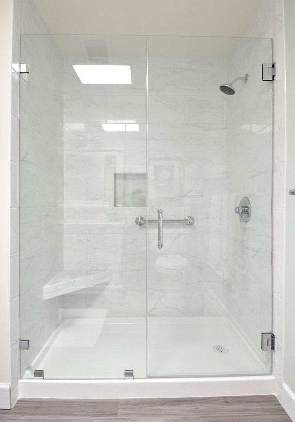Cool Small Master Bathroom Remodel Ideas 25