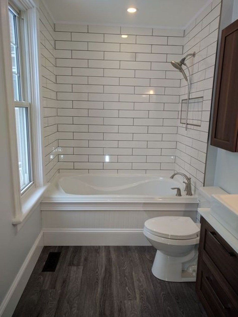 Cool Small Master Bathroom Remodel Ideas 28