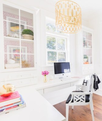 Elegant And Exquisite Feminine Home Office Design Ideas 02