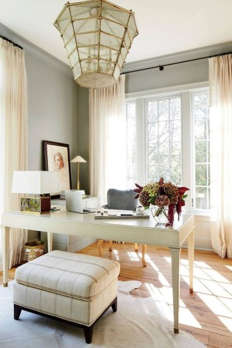 Elegant And Exquisite Feminine Home Office Design Ideas 05
