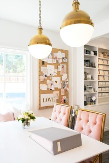 Elegant And Exquisite Feminine Home Office Design Ideas 23