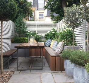 Incredible Small Backyard Garden Ideas 31