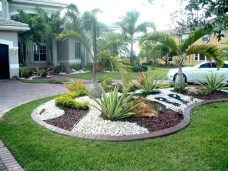 Totally Beautiful Front Yard Landscaping Ideas On A Budget 38