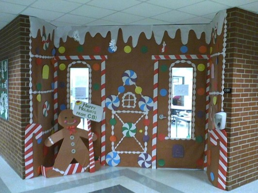 Adorable Winter Classroom Door Decoration Ideas 07