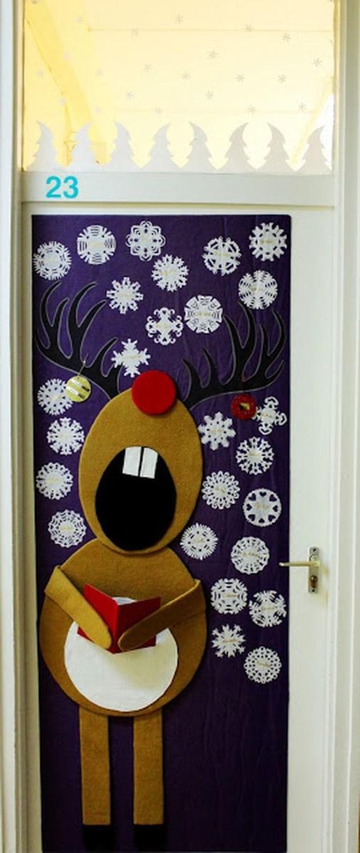 Adorable Winter Classroom Door Decoration Ideas 12