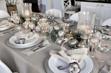 Amazing Winter Table Decoration Ideas 05