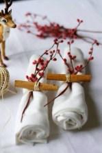 Amazing Winter Table Decoration Ideas 26