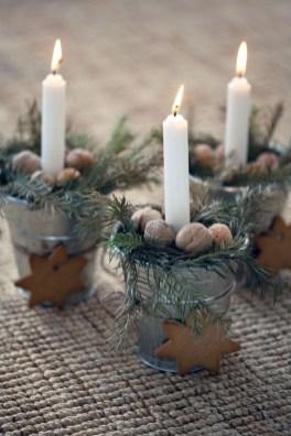 Amazing Winter Table Decoration Ideas 33