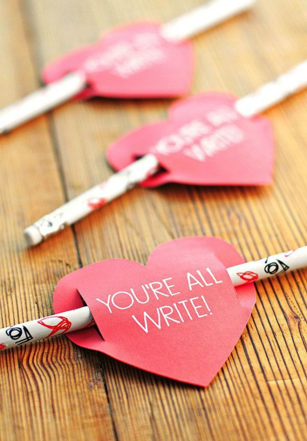 Beautiful And Creative DIY Valentine Decoration Ideas For Your Home 09