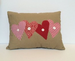 Beautiful And Creative DIY Valentine Decoration Ideas For Your Home 23