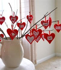 Cool And Cozy Red Valentines Day Decoration Ideas 16