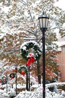 Cozy Winter Wonderland Decoration Ideas 26