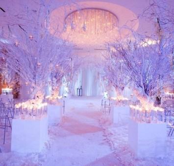 Cozy Winter Wonderland Decoration Ideas 33
