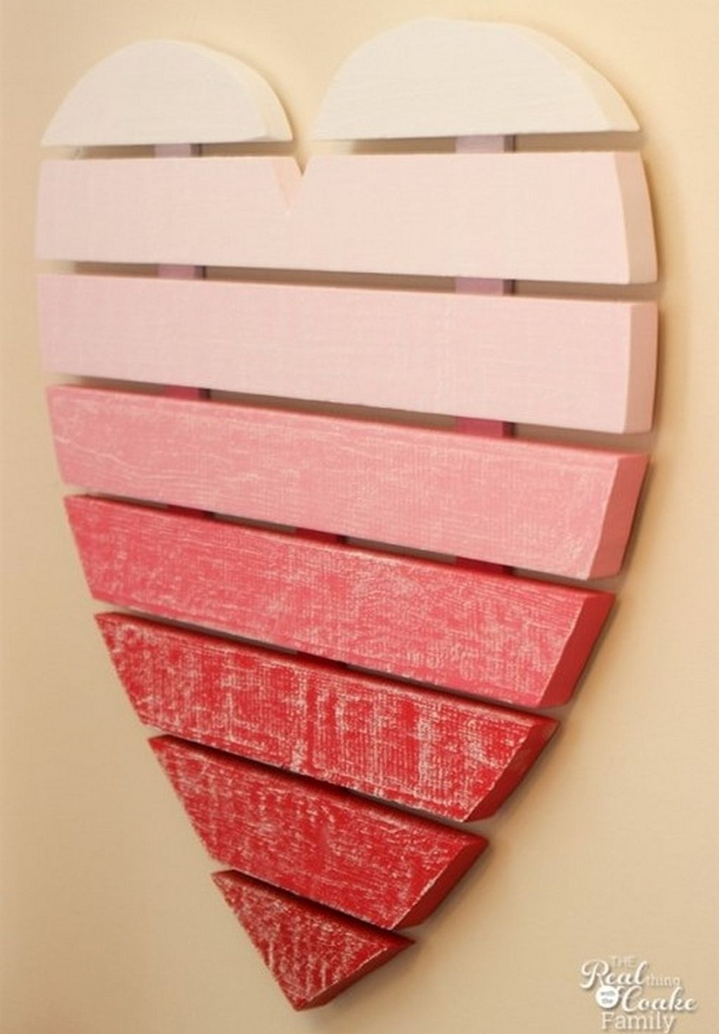Cute Pink Valentines Day Decoration Ideas For Your Home 07