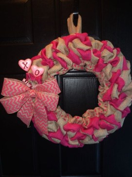 Cute Pink Valentines Day Decoration Ideas For Your Home 15