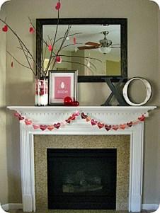 Inspiring Valentines Day Fireplace Decoration Ideas 07