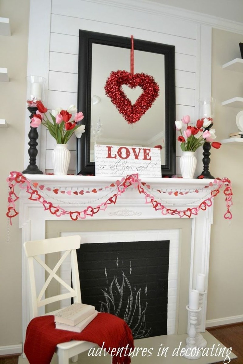 Inspiring Valentines Day Fireplace Decoration Ideas 09