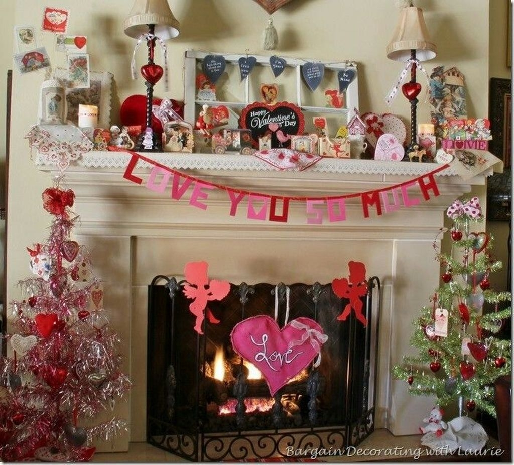 Inspiring Valentines Day Fireplace Decoration Ideas 15