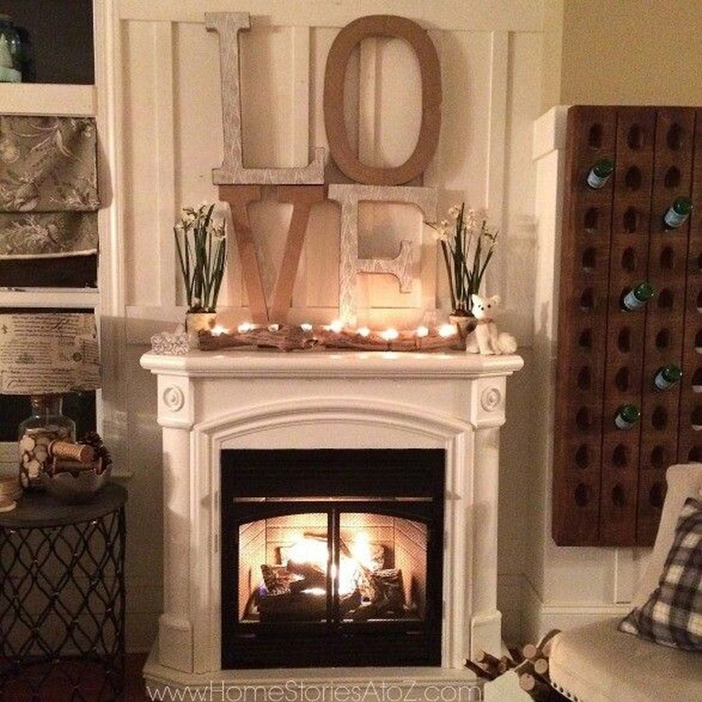 Inspiring Valentines Day Fireplace Decoration Ideas 30