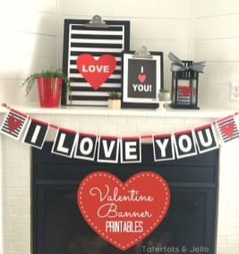 Inspiring Valentines Day Fireplace Decoration Ideas 32