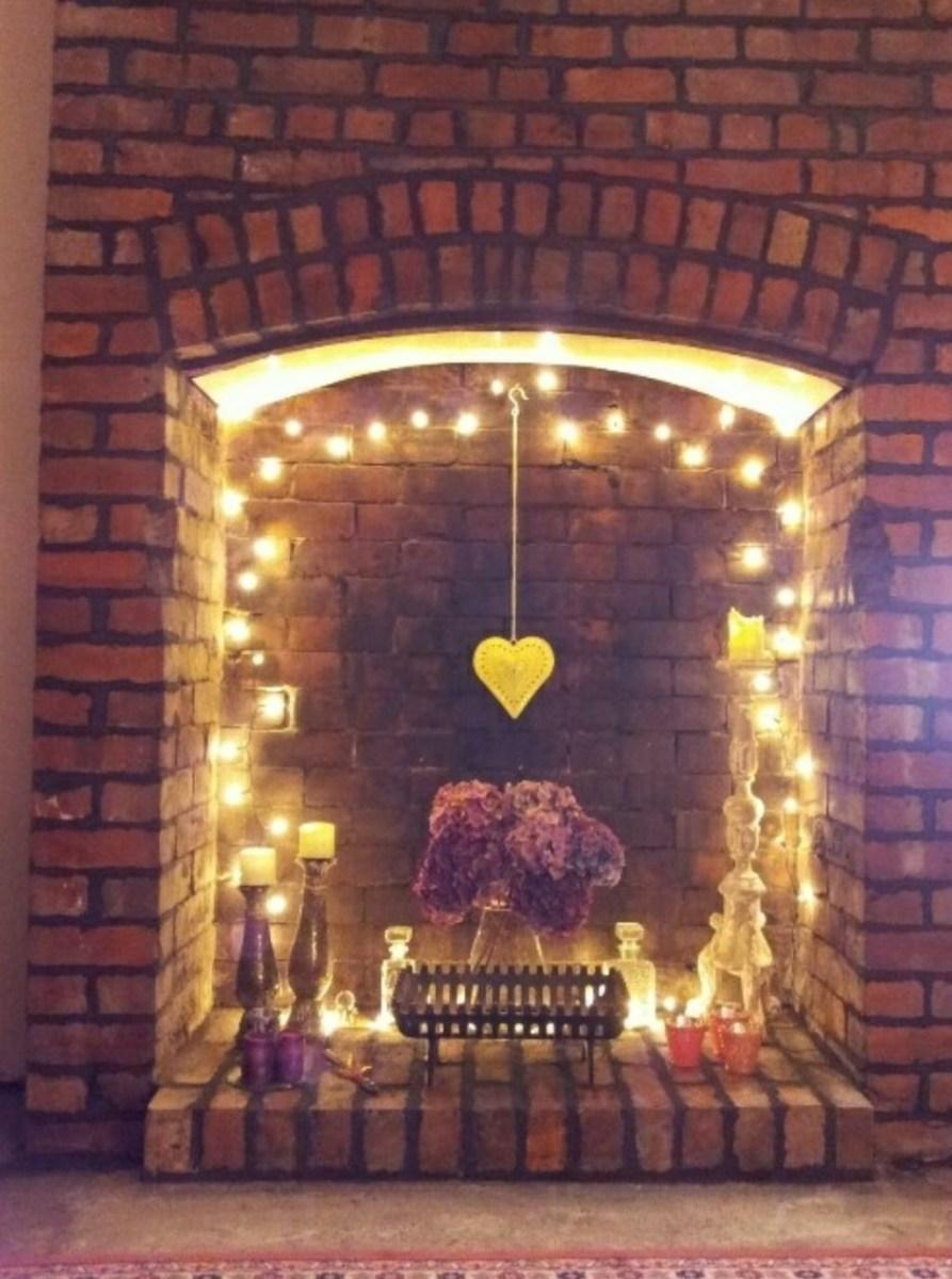 Inspiring Valentines Day Fireplace Decoration Ideas 40