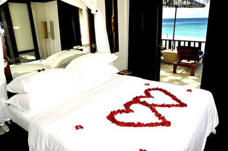 Romantic Valentines Bedroom Decoration Ideas 05