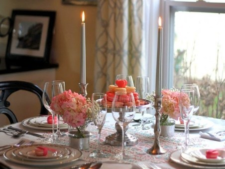 Romantic Valentines Day Dining Room Decoration Ideas 10