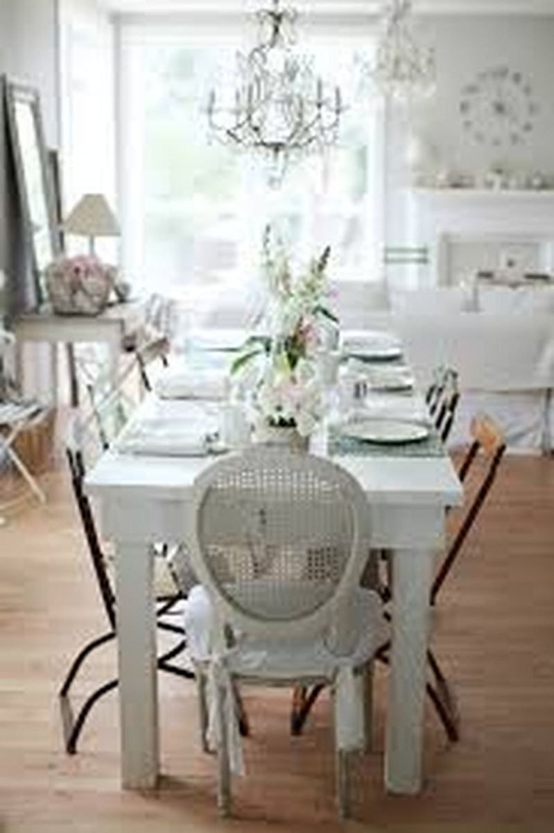 Romantic Valentines Day Dining Room Decoration Ideas 14
