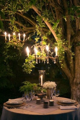 Romantic Valentines Day Dining Room Decoration Ideas 27
