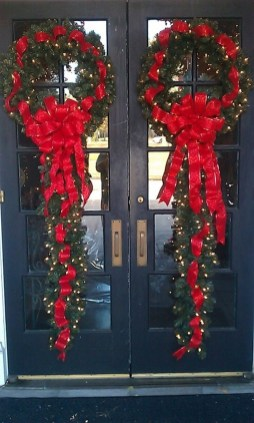 Stunning Front Door Decoration Ideas For Winter 06