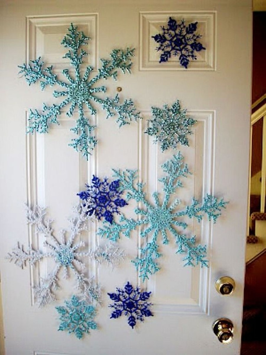 Stunning Front Door Decoration Ideas For Winter 08