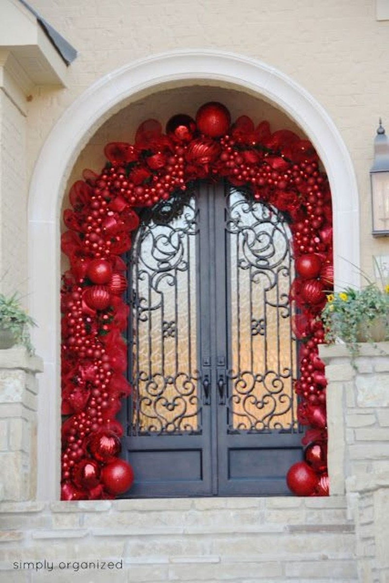 Stunning Front Door Decoration Ideas For Winter 15