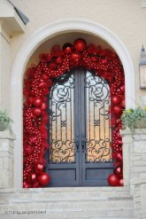 Stunning Front Door Decoration Ideas For Winter 15