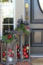 Stunning Front Door Decoration Ideas For Winter 17
