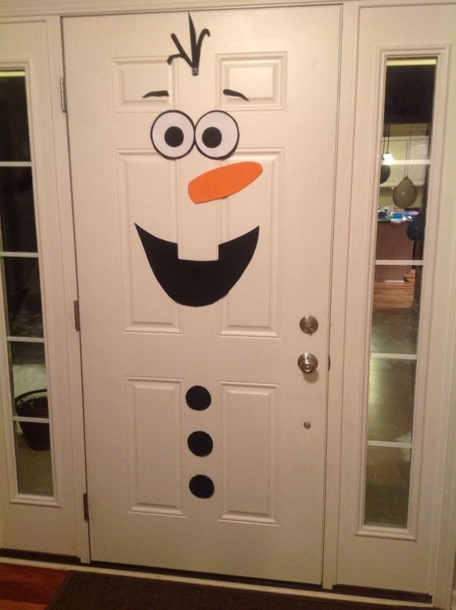 Stunning Front Door Decoration Ideas For Winter 23