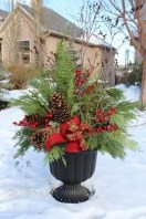 Totally Adorable Winter Porch Decoration Ideas 04