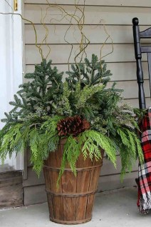 Totally Adorable Winter Porch Decoration Ideas 07
