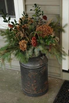 Totally Adorable Winter Porch Decoration Ideas 20