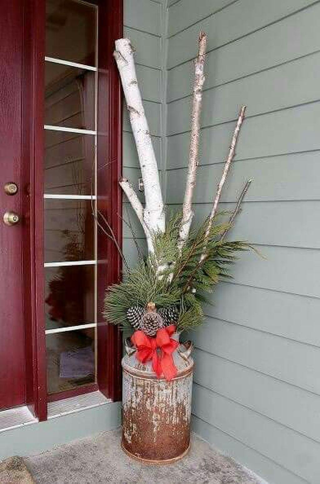 Totally Adorable Winter Porch Decoration Ideas 29